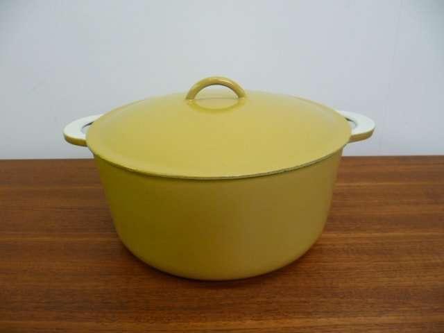 Descoware enamel cooking pot