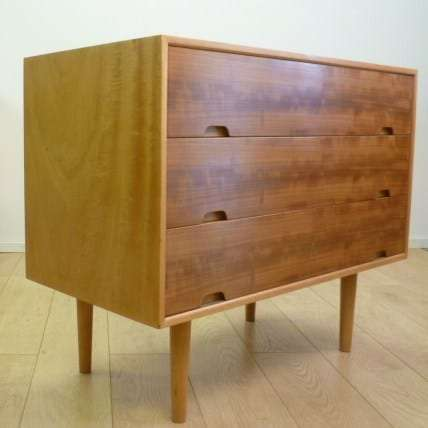 Hilleplan chest of drawers by Robin Day