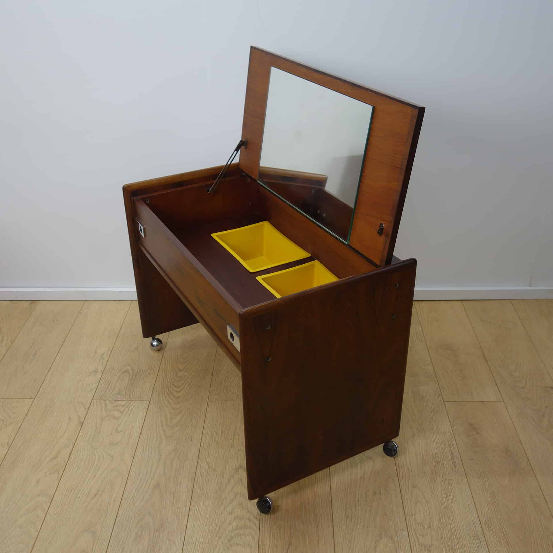 A small 1960s rosewood dressing table mark parrish mid for Dressing table 85cm