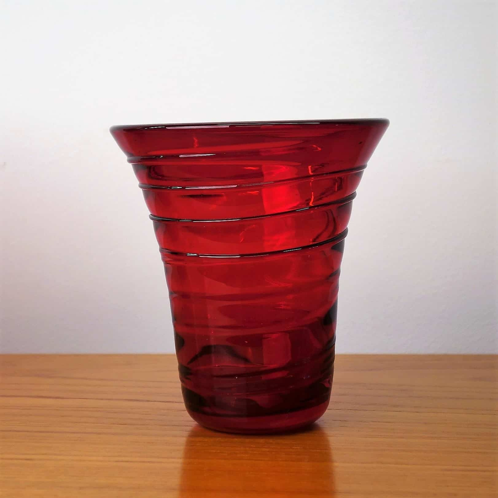 Whitefriars flared ruby ribbon trail vase