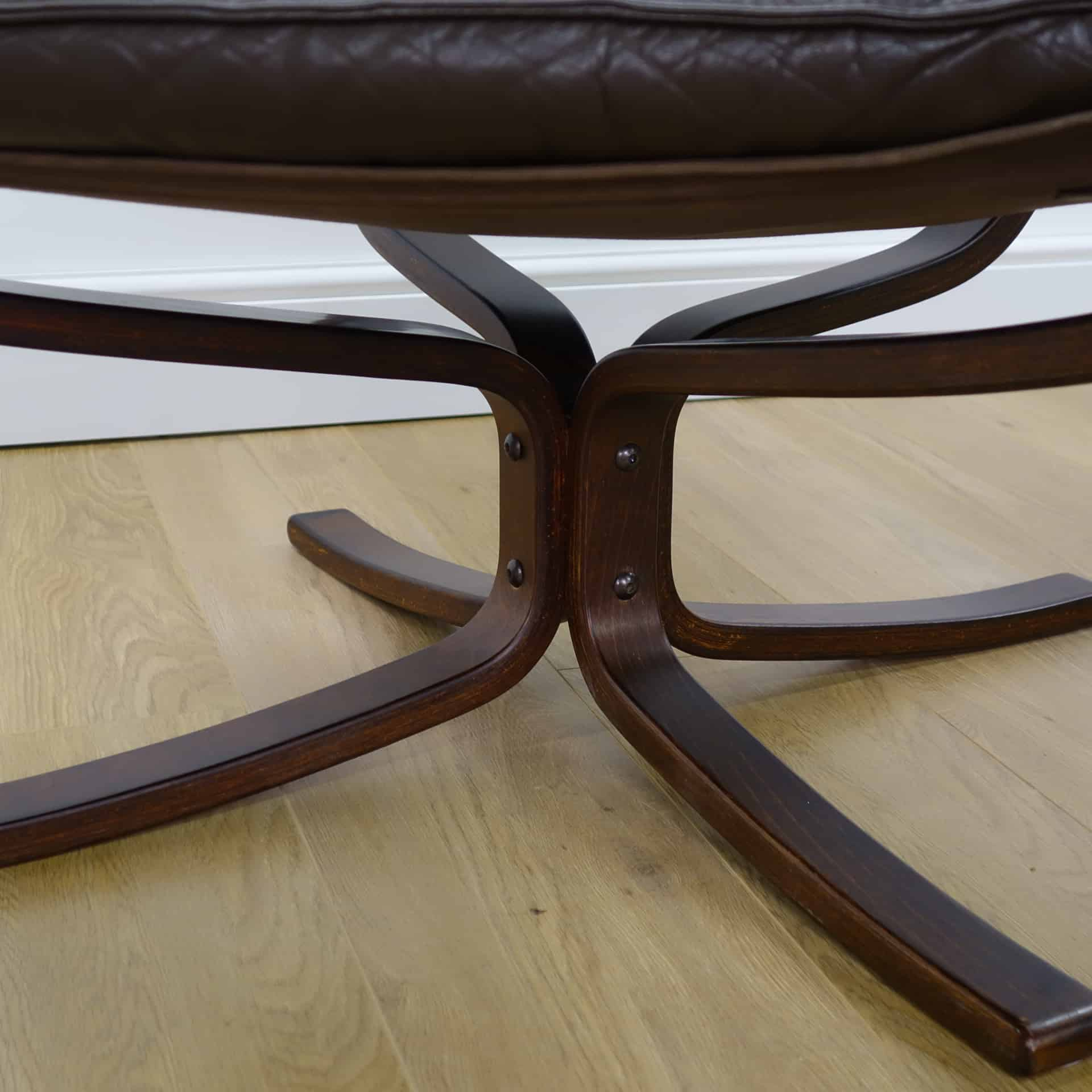 Brown leather Falcon chair by Sigur Ressell