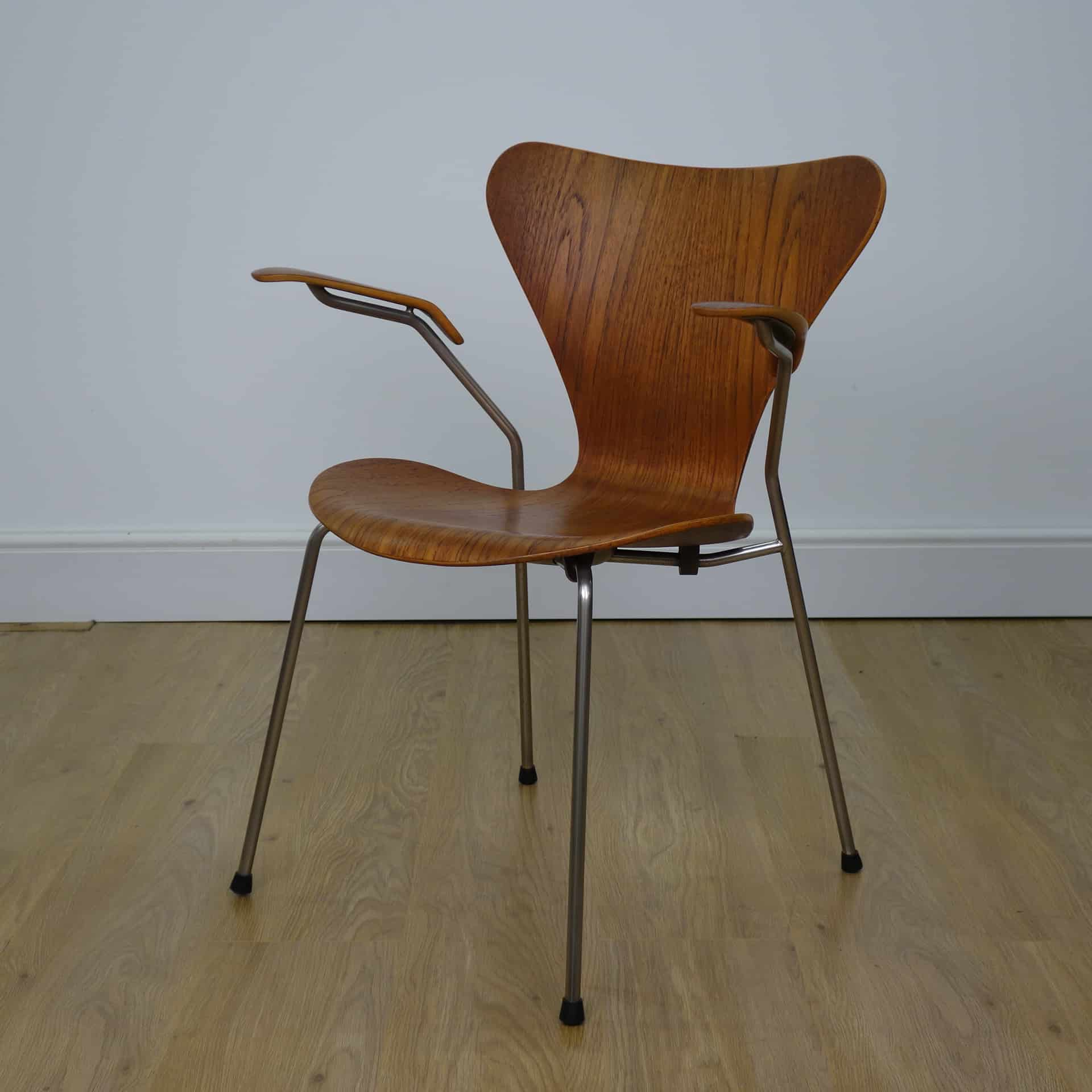 1950s teak 3107 chair with arms by Arne Jacobsen